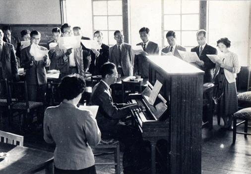 1957年(昭和32年)校歌制定