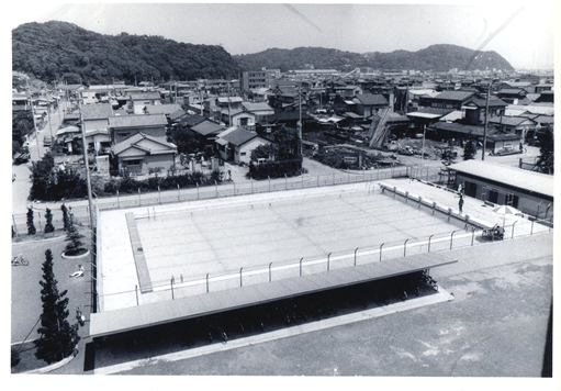 1964年(昭和39)プール完成