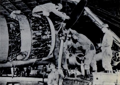 1944年(昭和19年)学業を捨て勤労動員